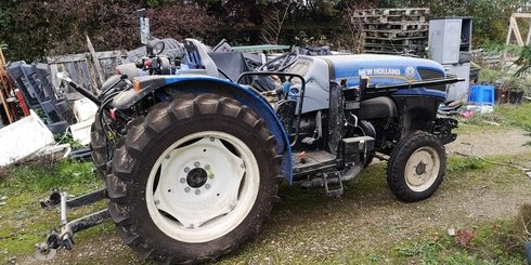 Tracteur fruitier New Holland T4.65V - 3