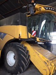 Moissonneuse batteuse New Holland CX 7.80 - 2