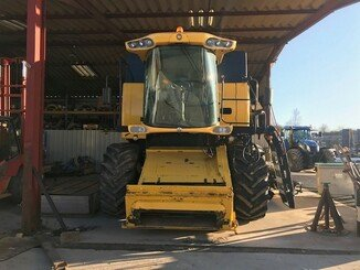 Moissonneuse batteuse New Holland CS 6080 - 1