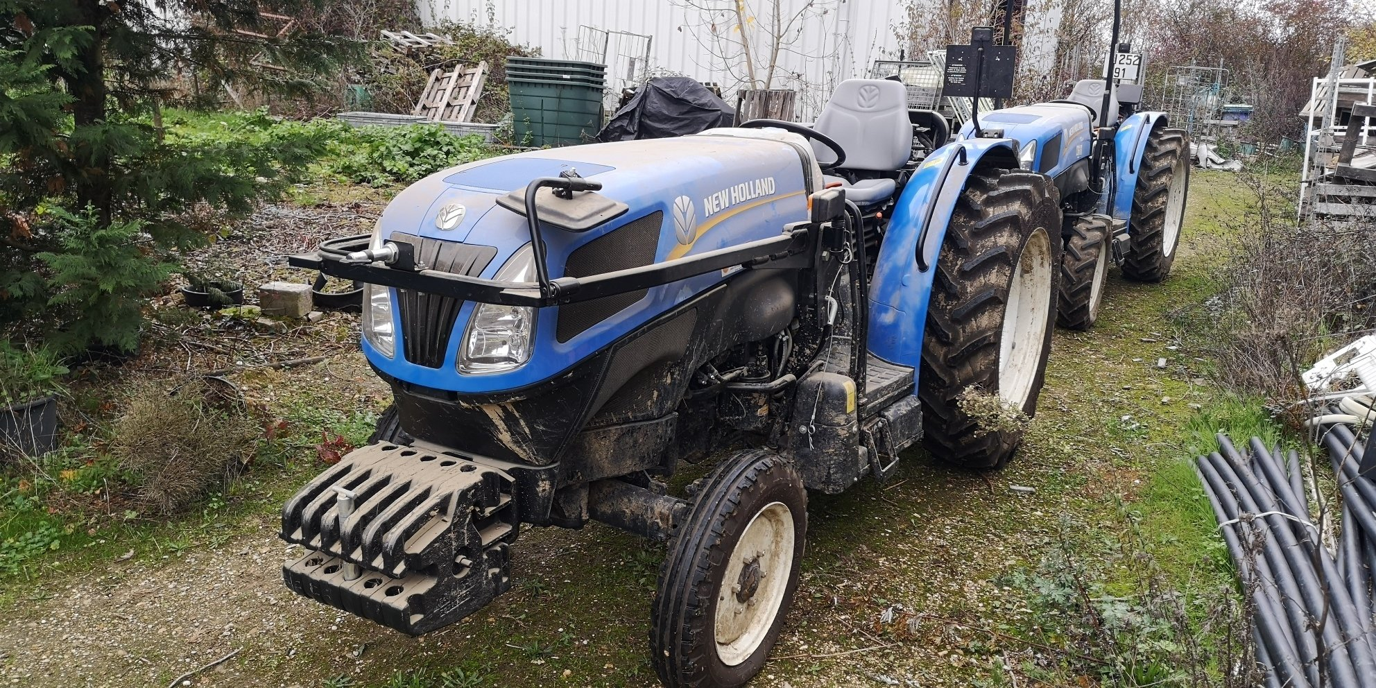 Tracteur fruitier New Holland T4.65V - 1