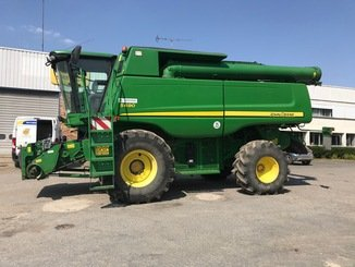 Moissonneuse batteuse John Deere S 690 - 1