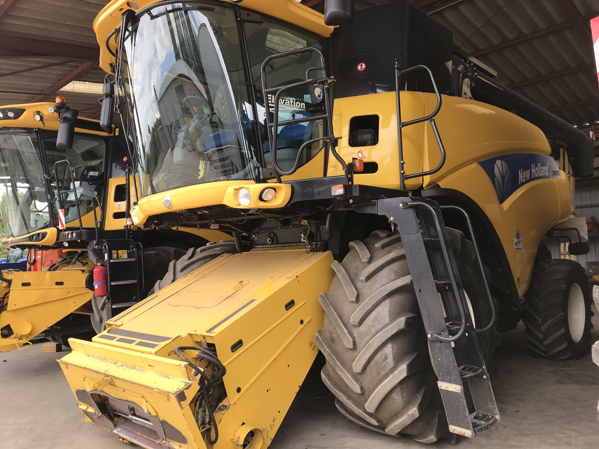 Moissonneuse batteuse New Holland CR 9070 - 1