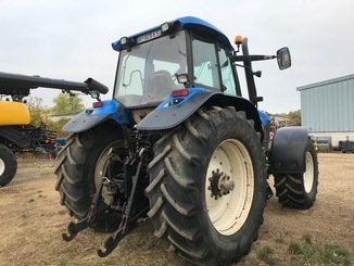 Tracteur agricole New Holland TM 175 - 4