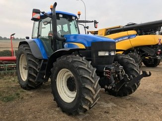 Tracteur agricole New Holland TM 175 - 2