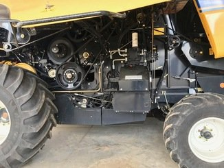 Moissonneuse batteuse New Holland CX 6090 - 6