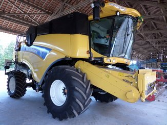 Moissonneuse batteuse New Holland CX 8060 - 1